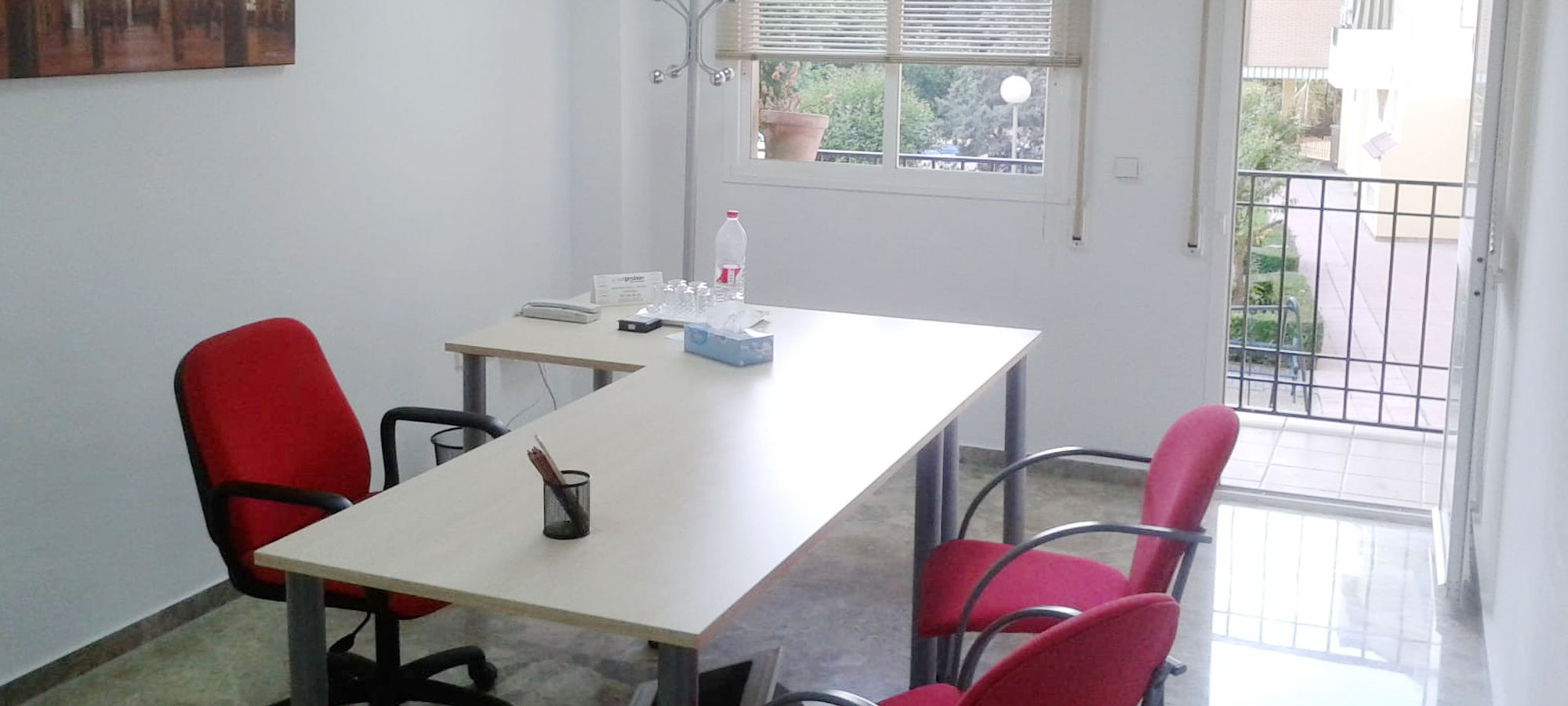 Alquiler oficinas y despachos en cordoba for Mobiliario de oficina en cordoba